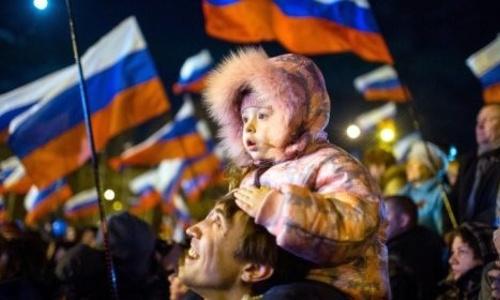 Запад недоумевает: Крым поддерживает Путина вопреки кризису