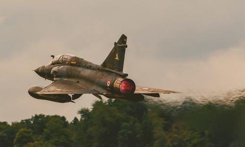 Российские Су-27 погонялись за французскими «Миражами» над Черным морем