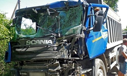 В массовом ДТП в Крыму столкнулось сразу четыре авто