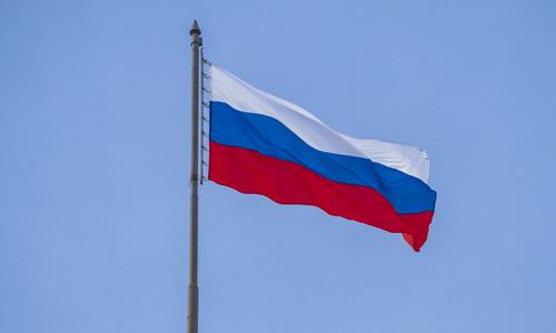 У горы Гасфорта развернут самый огромный флаг РФ